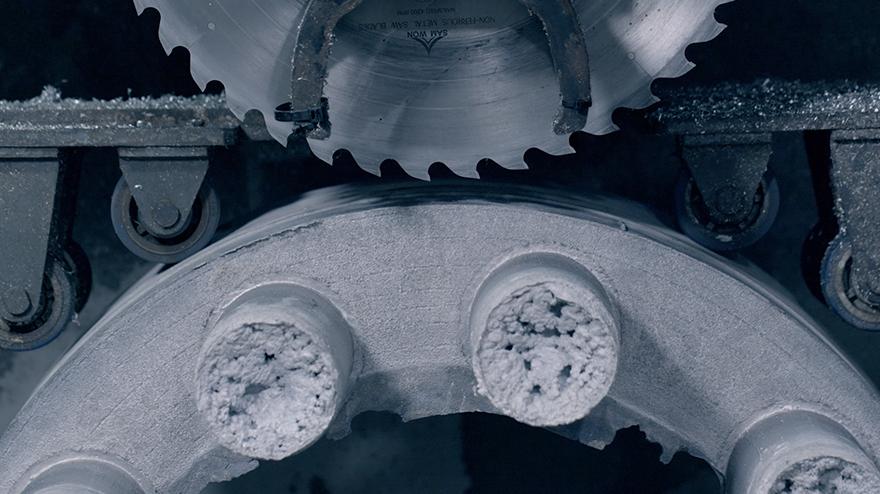 Hankook Precision Works – Video for plastering > pressurization > addition of molten metal > mold release (removal)