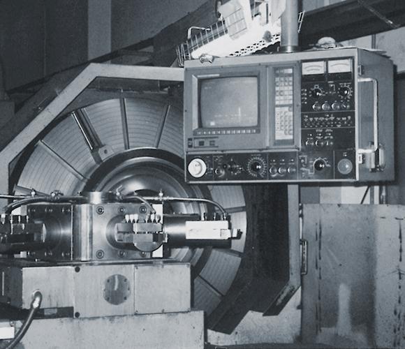 한국프리시전웍스 (구)MK테크놀로지, Hankook Precision Works 기업역사 - 1973년 ㈜미강 설립, 차량용 타이어 몰드 사업 착수